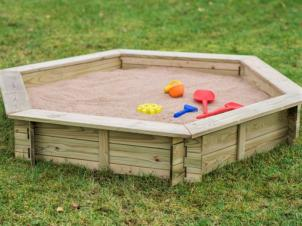Hexagonal sandbox without lid
