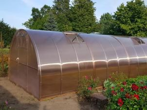 Greenhouses with polycarbonate cover