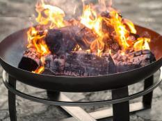 Dārza ugunskuri un kamīni